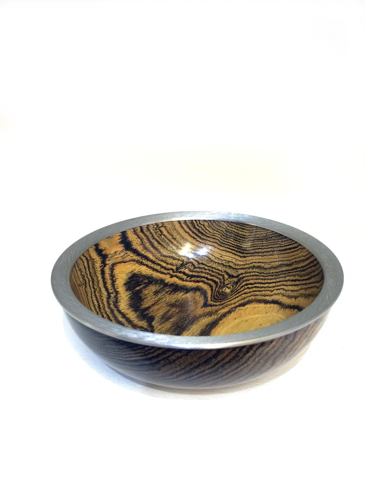 Boccote-Rosewood-bowl-with-textured-pewter-rim