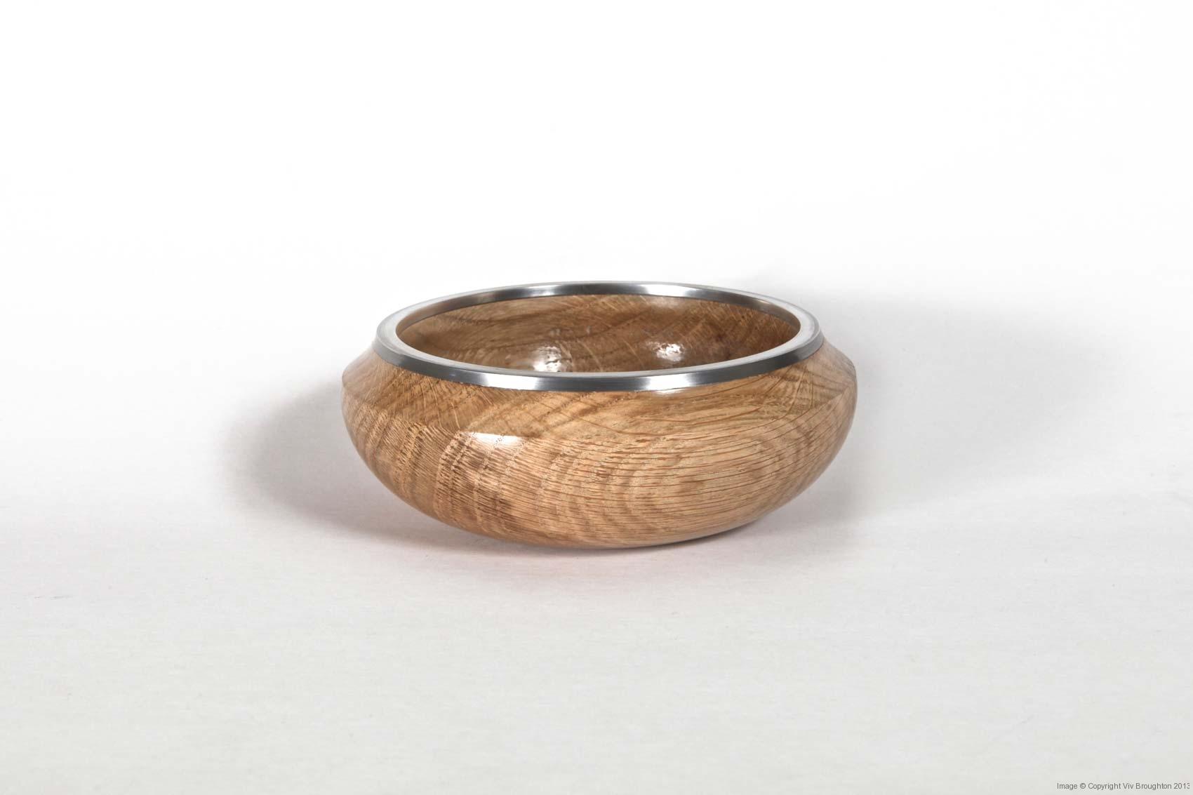 oak-bowl-with-narrow-pewter-rim
