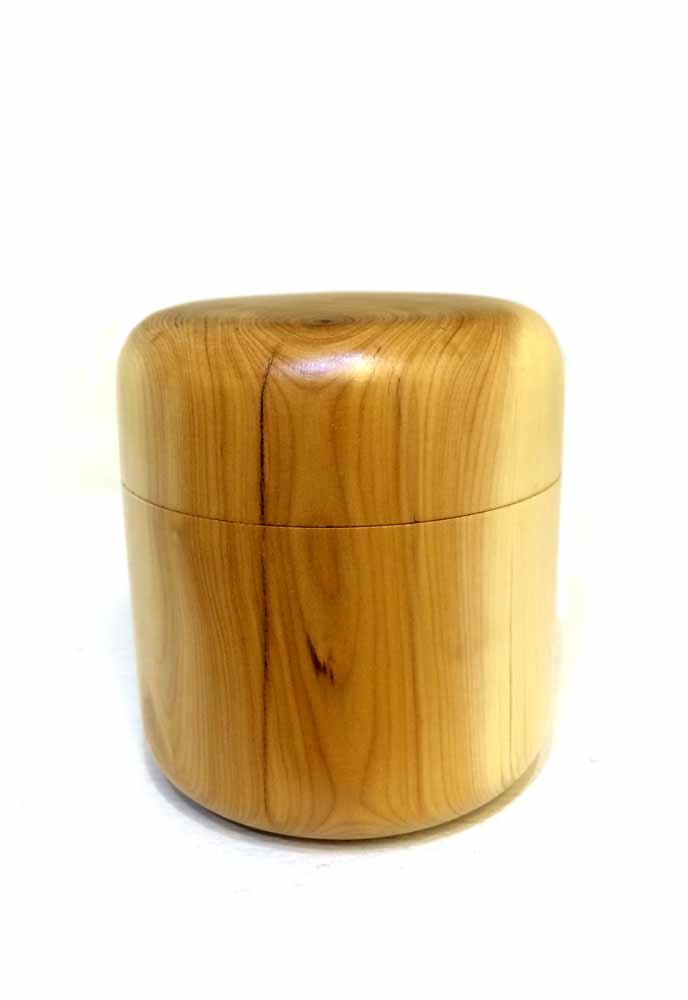 Yew-lidded-pot