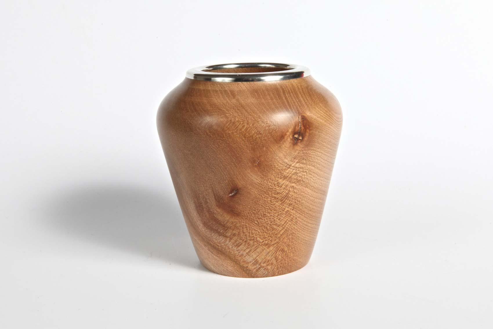 elm-pot-with-pewter-rim-1