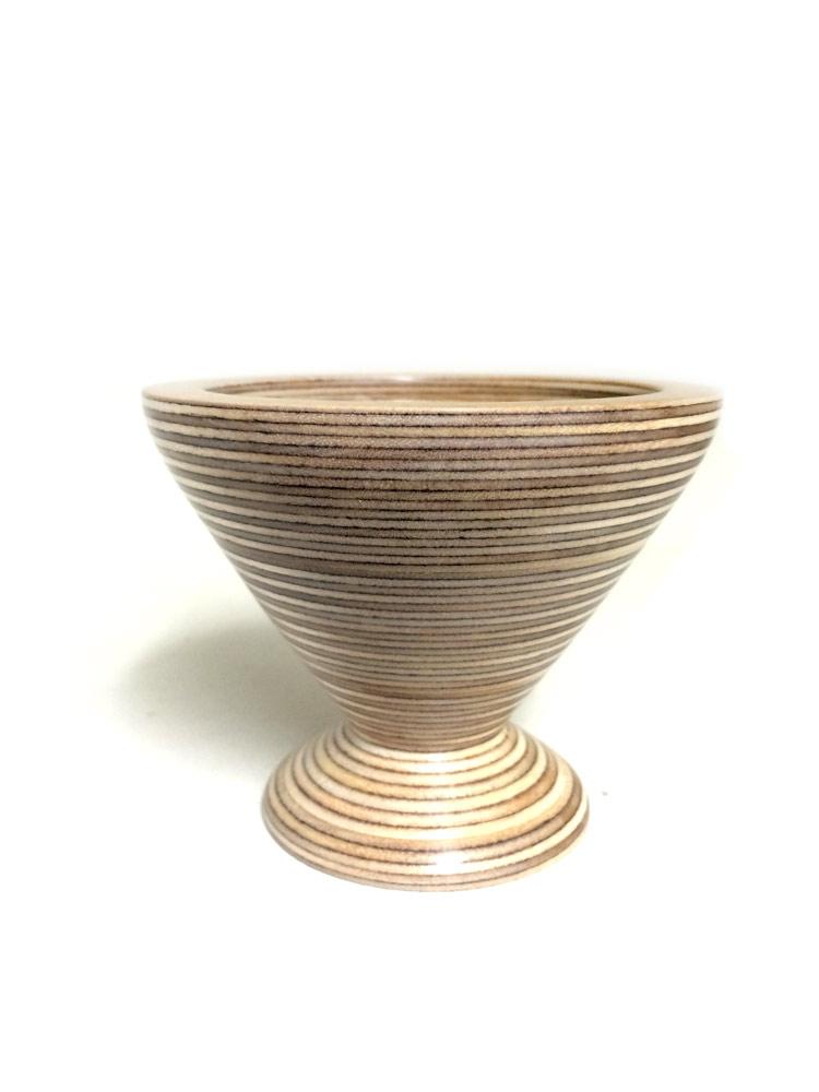 Plywood-V-vase